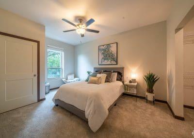 lake-jonathan-flats-chaska-mn-bedroom